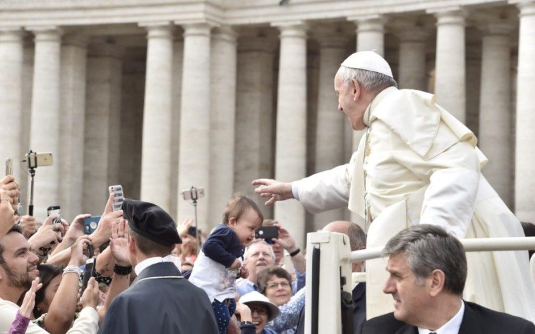 China: Papa reza por uma Igreja Católica unida e «em comunhão» com a Santa Sé