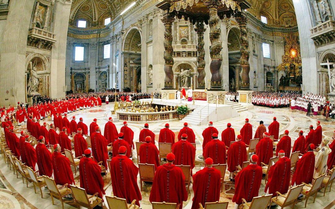 Consistório 2018: Papa liga autoridade ao serviço dos mais fracos e diz aos cardeais que ninguém se deve sentir «superior» (c/ video)