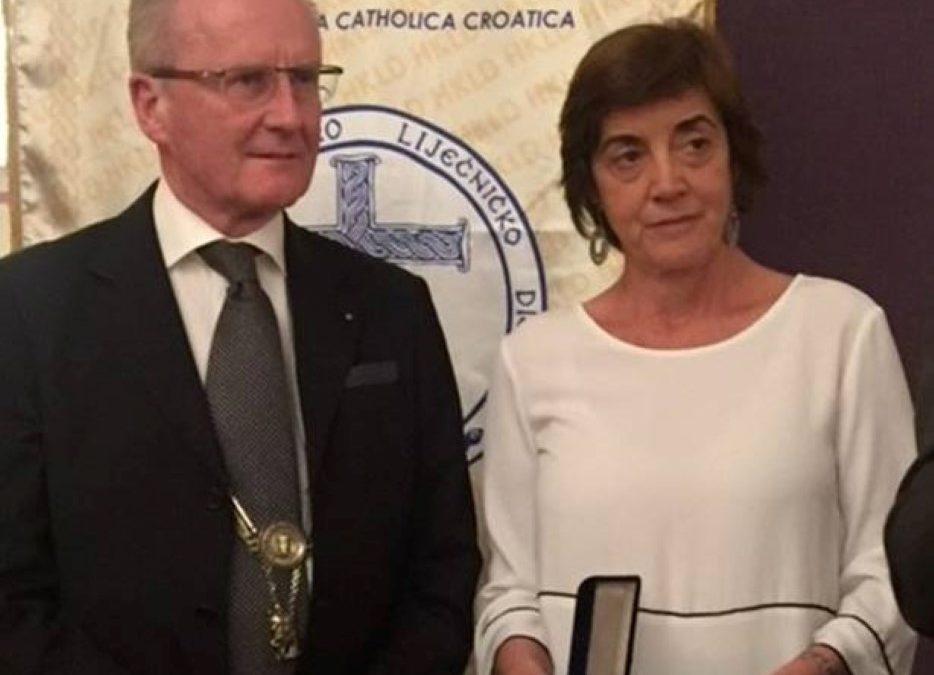 Ética/Saúde: Médicos Católicos Portugueses distinguem Bernard Ars com o Prémio João XXI