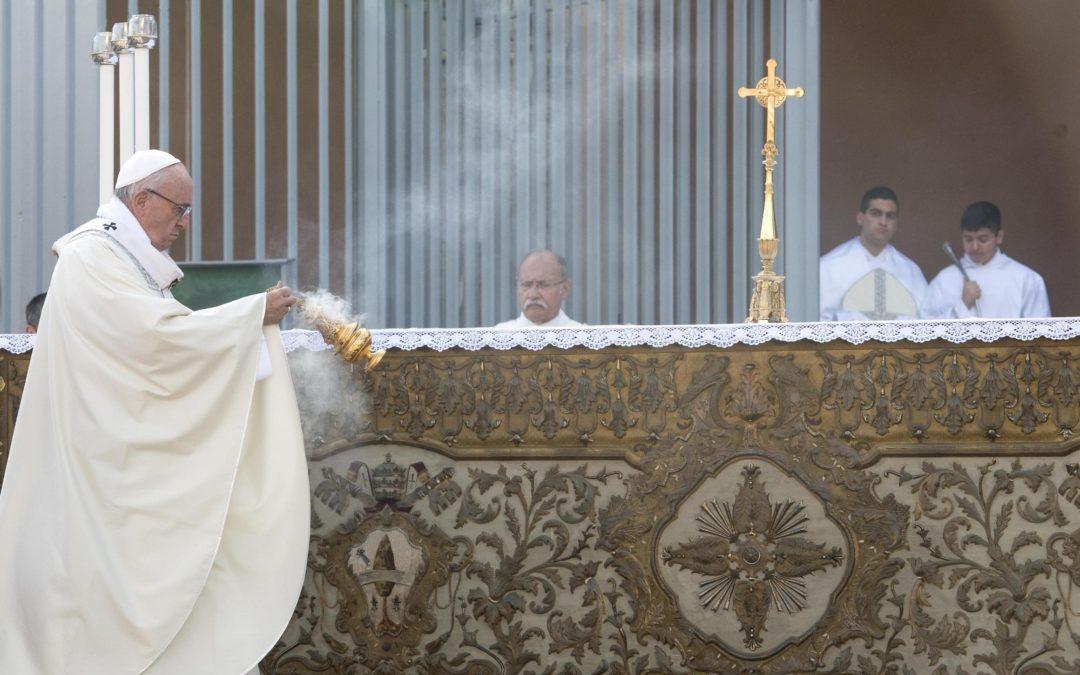 Itália: Papa visita região dominada pela Mafia e deixa mensagem contra «omertà» e ilegalidade