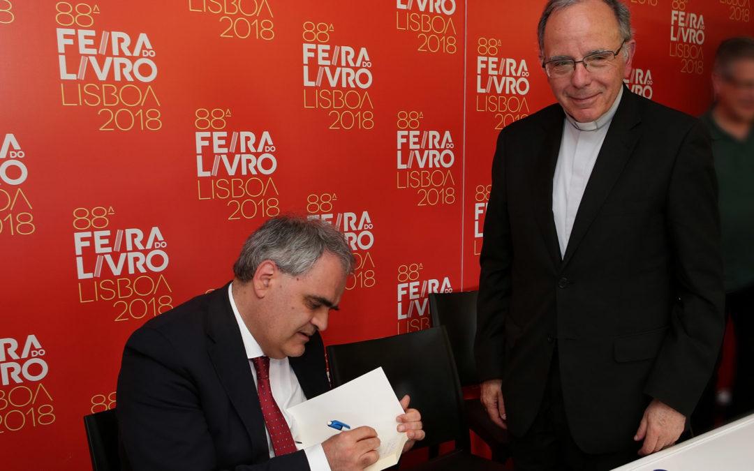 Igreja/Cultura: Livro de crónicas sobre questões «fraturantes» em destaque na Feira do Livro em Lisboa