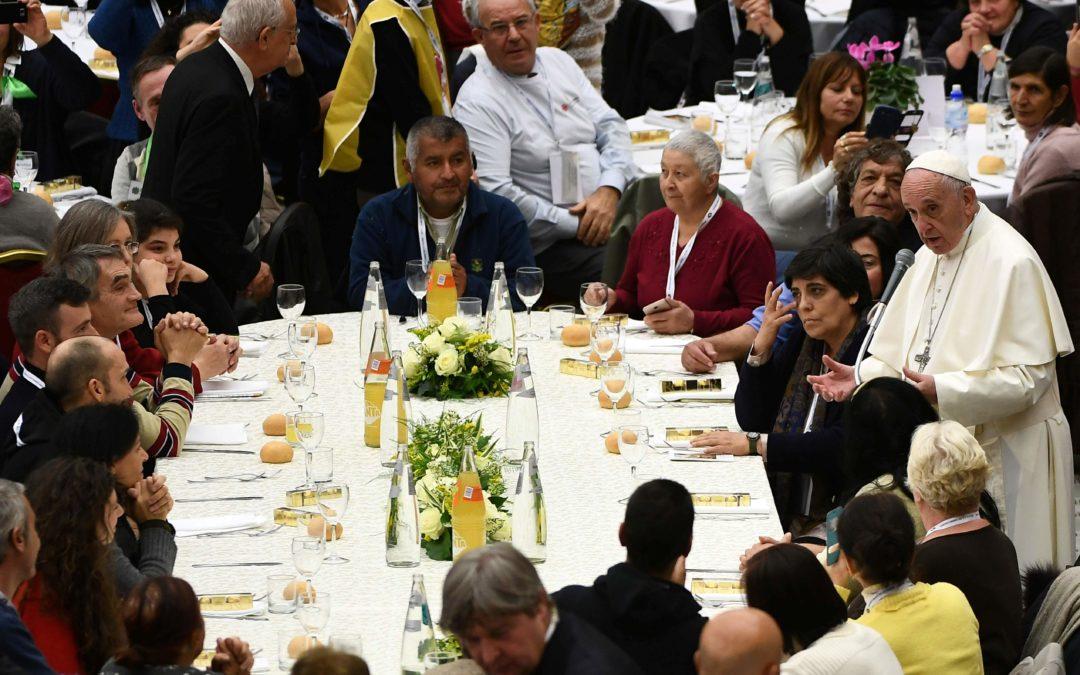 Vaticano: Papa denuncia «consequências sociais dramáticas» da pobreza e condena «aversão» aos pobres