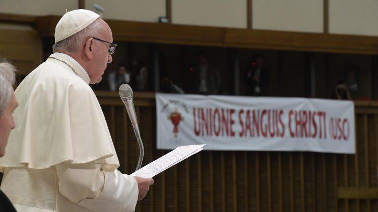 Vaticano: Papa pede «coragem da verdade» contra «ataques» à vida humana e «males sociais»