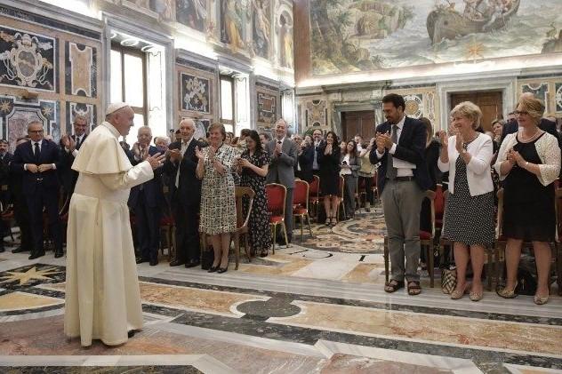 Vaticano: Papa critica aborto de bebés com deficiência