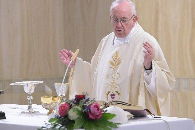 Vaticano: Papa denuncia ditaduras da calúnia