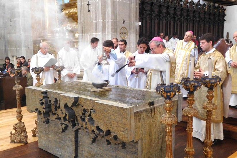 Lamego: Novo altar da Catedral apresenta elementos da vida das pessoas no Douro vinhateiro