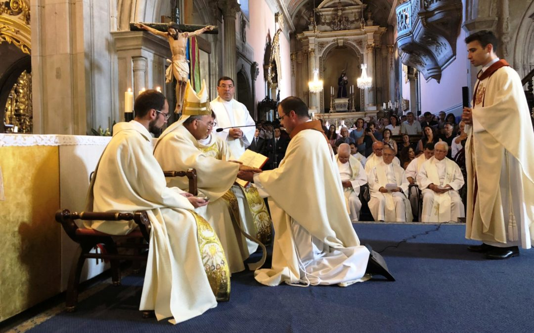 Viana do Castelo: D. Anacleto Oliveira presidiu à ordenação de dois padres para a Igreja no Alto Minho