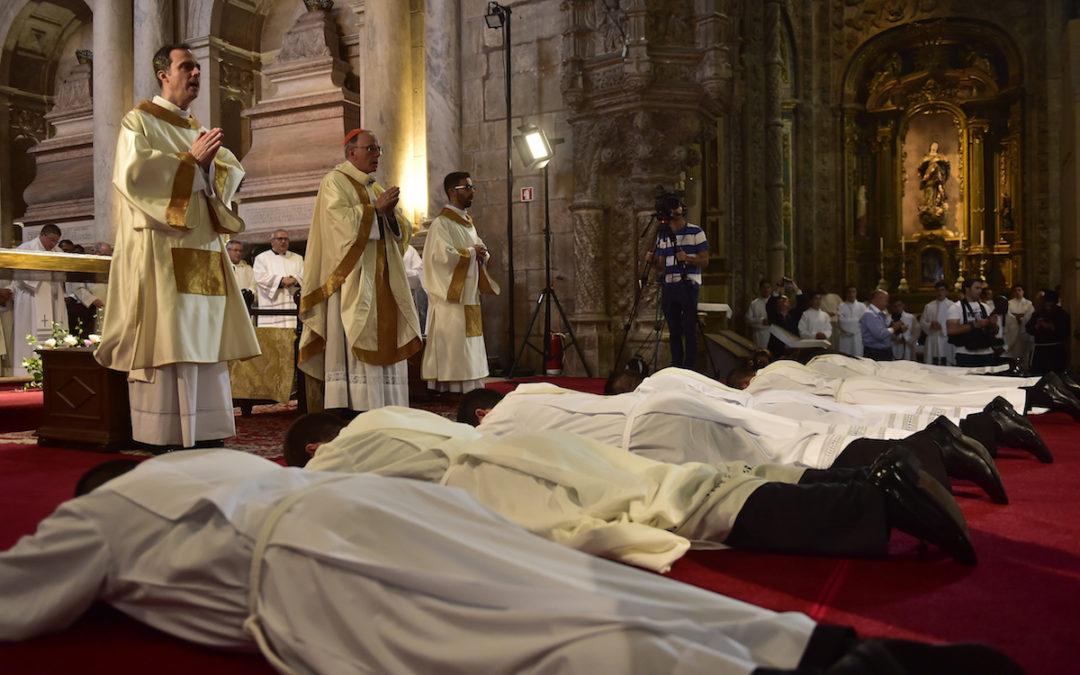 Igreja: «O sacerdote não é um senhor que chega de longe, mas nasce no meio da comunidade» – Pároco de Queluz
