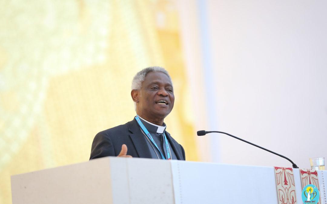 Família: Dignidade humana «não vem por decreto» mas por filiação divina – Cardeal Peter Turkson