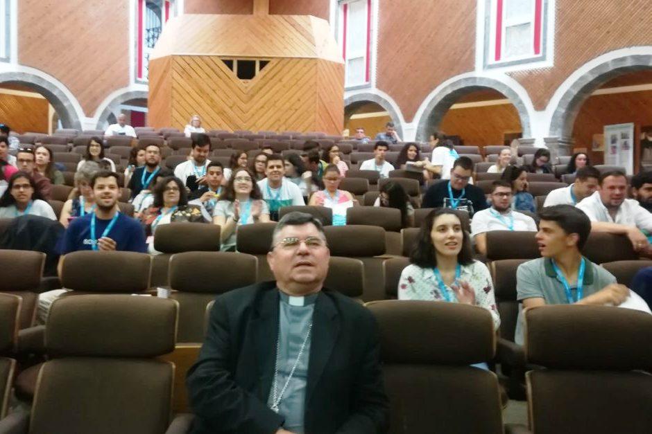 Açores: Bispo pede mais espaço para os jovens nas comunidades católicas do arquipélago