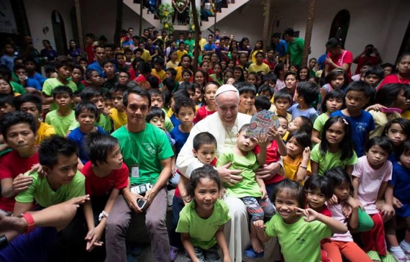 Igreja: Papa pede anúncio do Evangelho «sem medo» e sem «excluir ninguém»