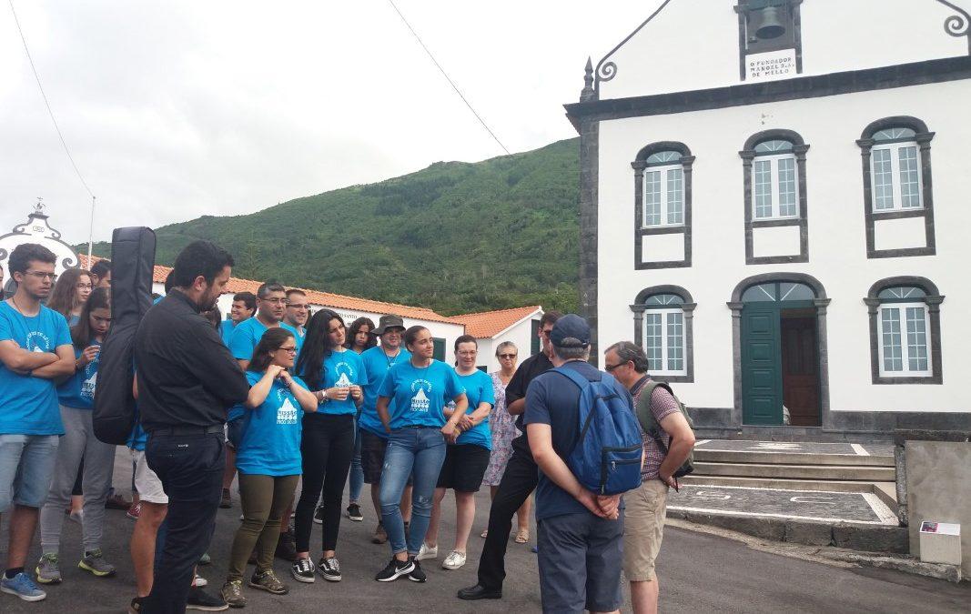 Pico: Dois sacerdotes em missão, sem dinheiro nem alforge