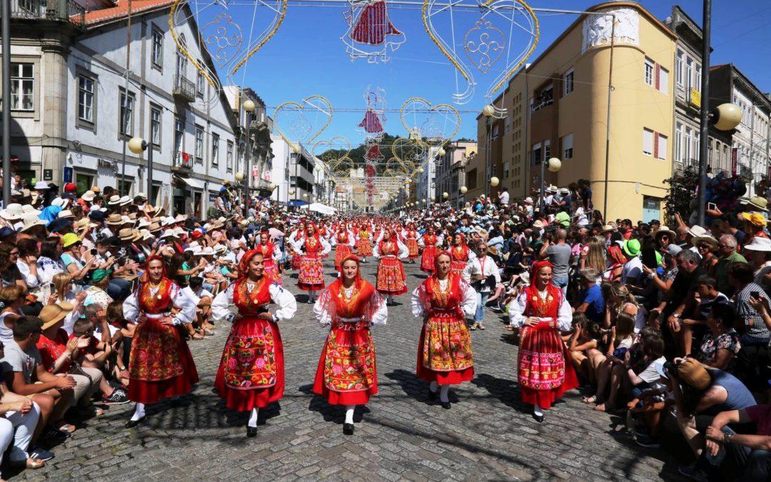 Religiosidade Popular: Festas da Senhora d'Agonia mostram «relação espontânea» do povo com o divino