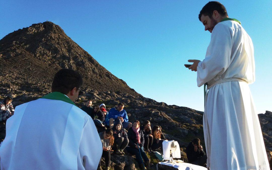 Especial: Vigararia de Alcobaça-Nazaré dinamizou missão jovem no ponto mais alto de Portugal (C/fotos)