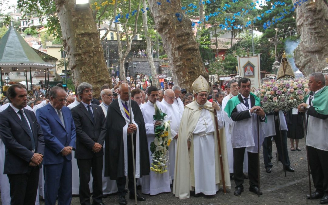 Madeira: Procissão da Senhora do Monte evocou «memória» das vítimas registadas há um ano no Funchal