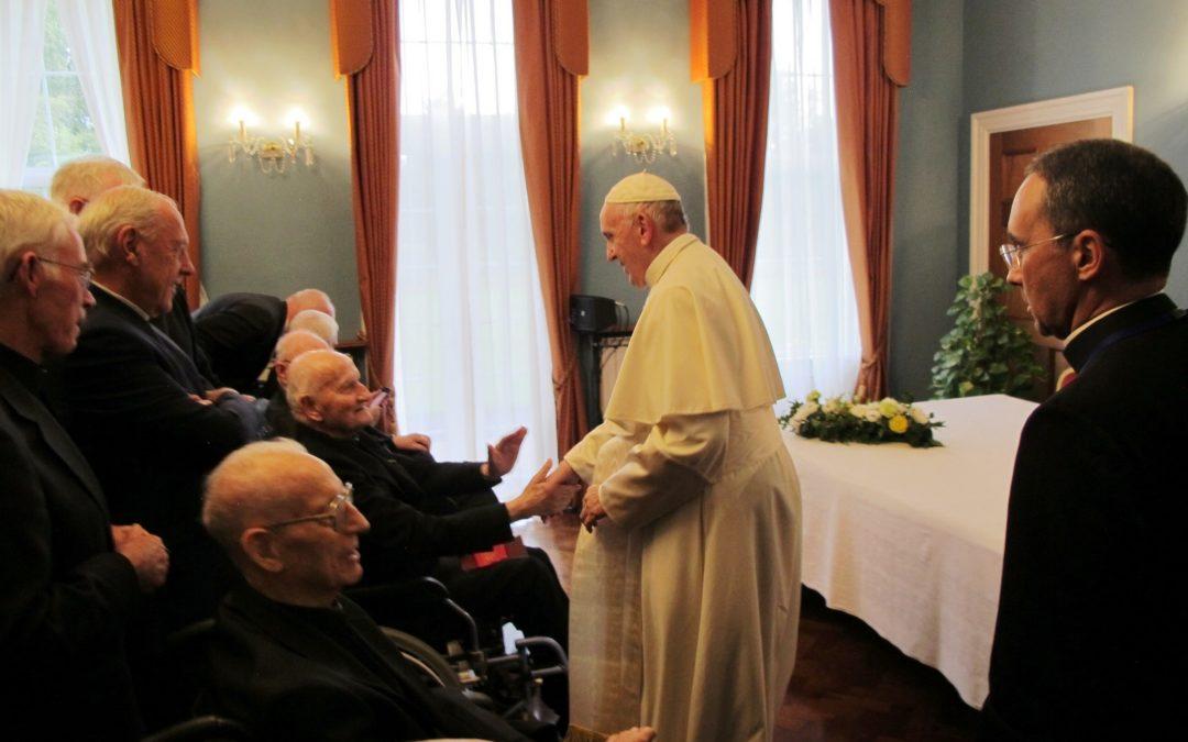 Igreja: Papa convida a «denunciar» casos de abusos sexuais