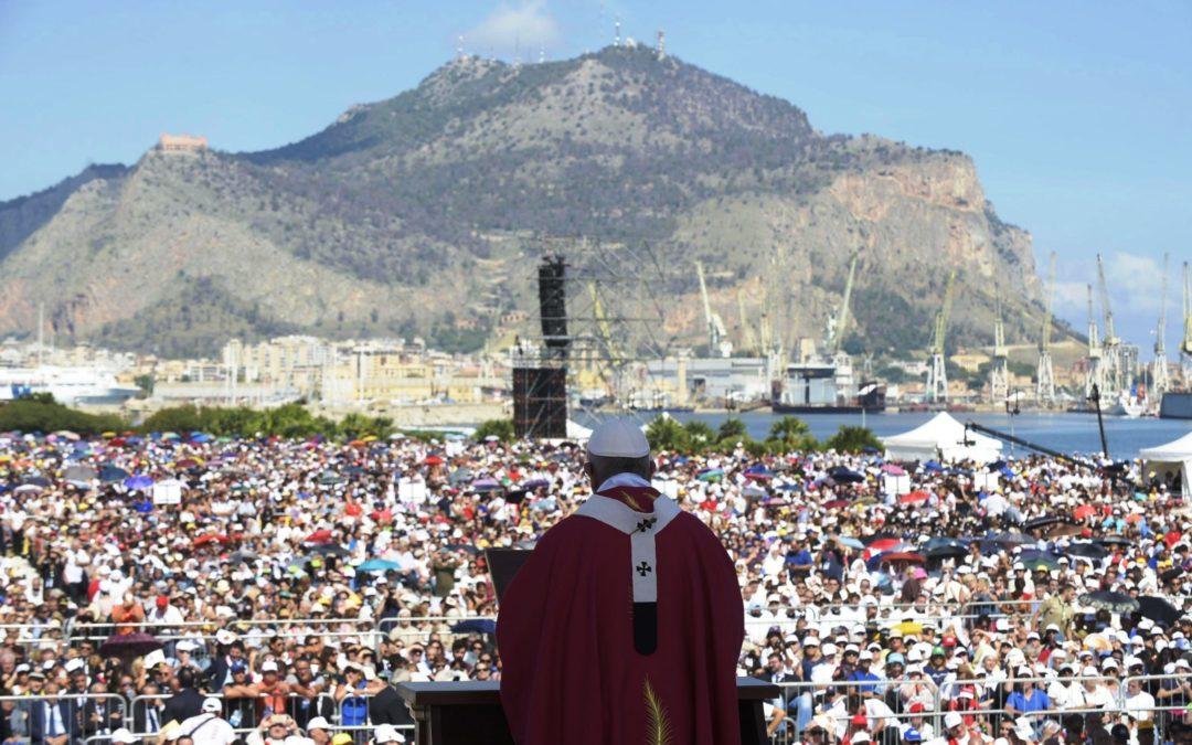 Itália: «Não se pode acreditar em Deus e ser mafioso», diz o Papa na Sicília
