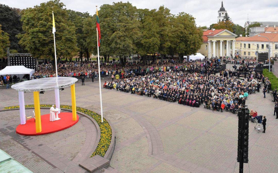 Lituânia: Papa apela ao diálogo entre culturas para superar discursos de «divisão»