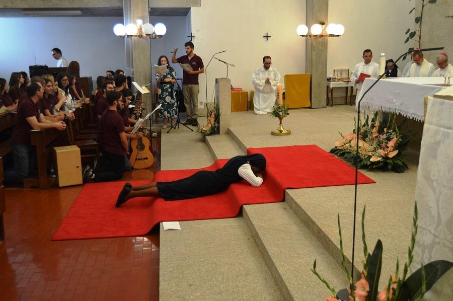 Vida Consagrada: Votos perpétuos de Franciscana Missionária de Nossa Senhora vista como oportunidade de testemunho vocacional