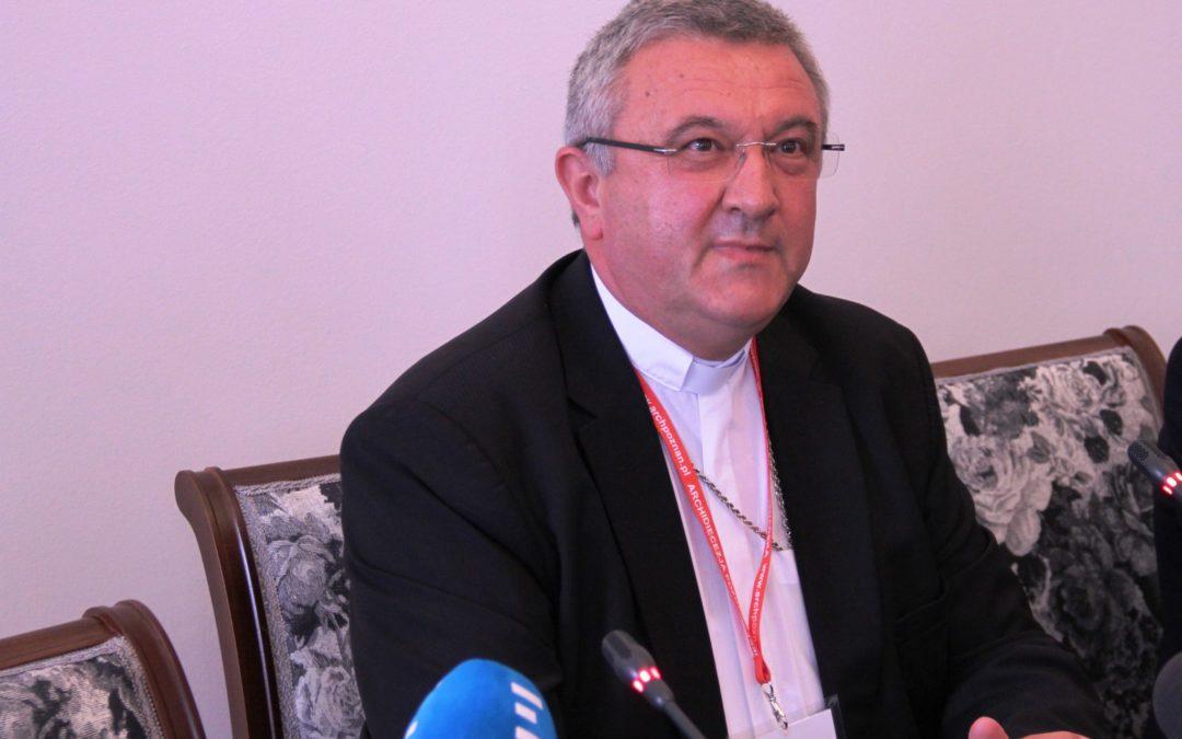 Europa: Presidente da Conferência Episcopal da Hungria critica processo punitivo da União Europeia