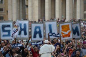 Jovens Shalom: 50 anos de sacerdócio do fundador