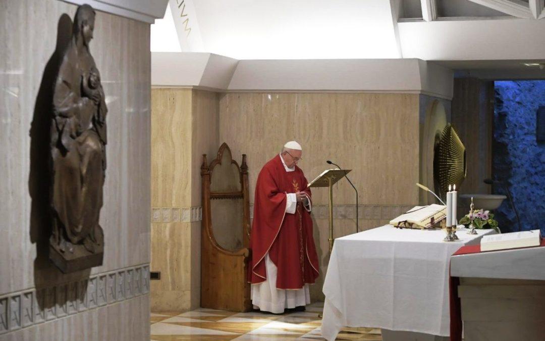 Vaticano: Cruz de Cristo ensina a não temer as derrotas, diz o Papa