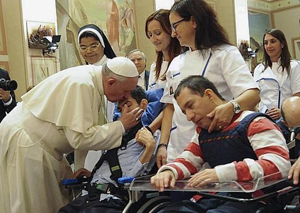 Vaticano: Papa incentiva Igreja a ter «voz» na «defesa e promoção» das pessoas com deficiência
