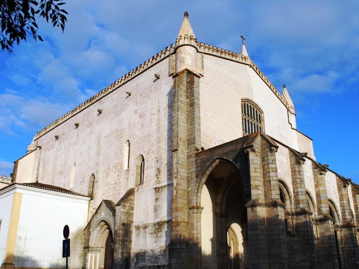 Évora: Igreja de São Francisco inaugurou exposição fotográfica «intervenção total»