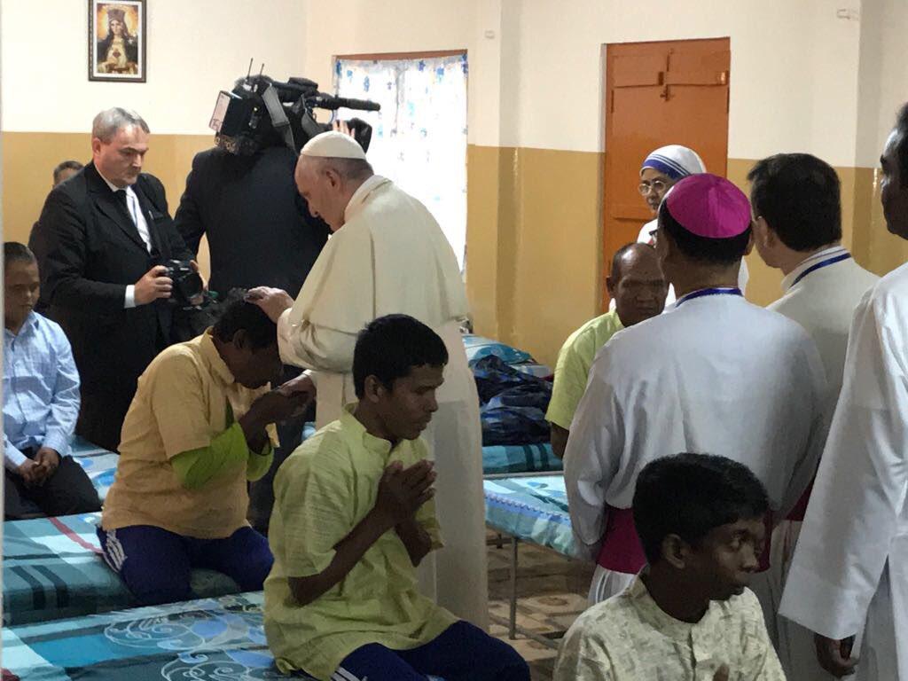 Bangladesh: Papa visitou orfanato no último dia de viagem à Ásia