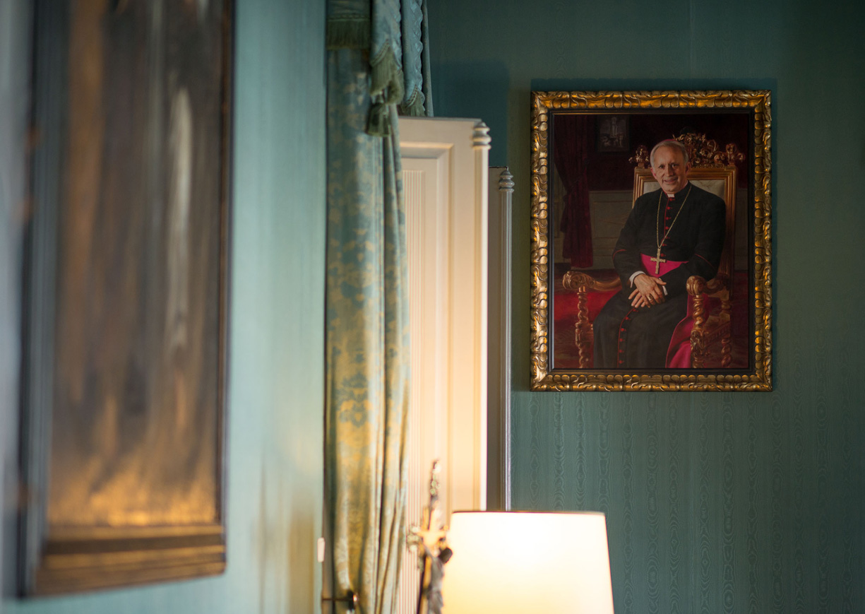 Porto: Quadro de D. António Francisco dos Santos colocado no Paço Episcopal