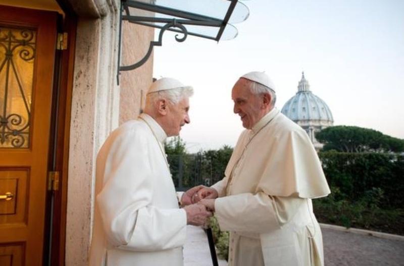 Natal: Papa Francisco visitou Bento XVI