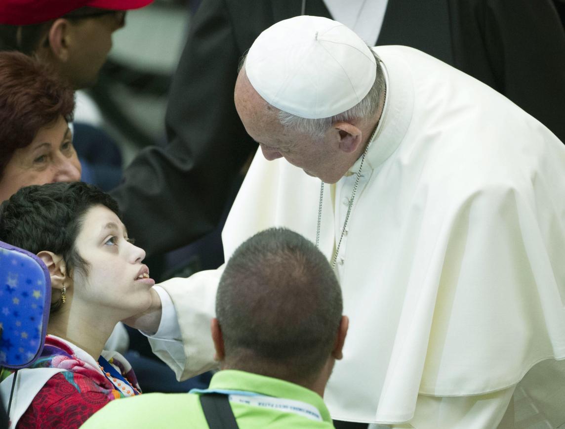 Igreja/Saúde: Papa alerta hospitais católicos contra submissão à lógica de mercado
