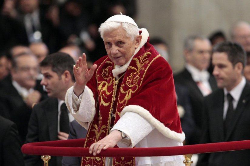 FILE VATICAN POPE RESIGNATION