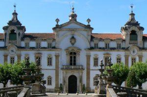 Coimbra: Exposição «A beleza da mulher pela xilogravura de Nunes Pereira»