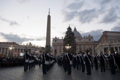 Vaticano: Inauguração do Presépio e árvore de Natal