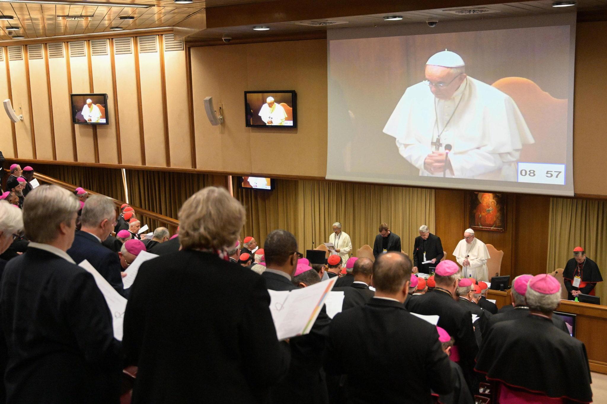 Vaticano: Cimeira sobre abusos sexuais começou com escuta das vítimas